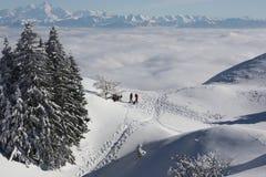 多雪的montains 免版税库存图片