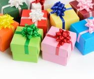 多颜色礼物盒 免版税库存图片