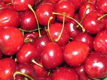 水多,成熟,猩红色甜点 免版税库存照片