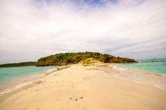 多巴哥岩礁石榴汁糖浆圣文森特 免版税库存照片