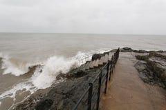 多暴风雨的天气在Greystones 免版税库存照片
