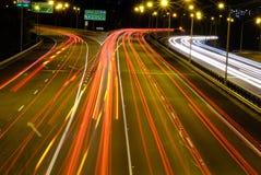 夜交通在大城市珀斯 免版税库存图片