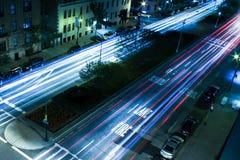 夜交通在曼哈顿 图库摄影