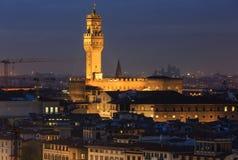夜佛罗伦萨顶视图(意大利) 免版税库存照片