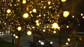 夜光做的交通汽车塑造Bokeh圣诞节背景 新年度 影视素材