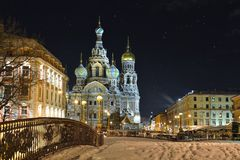 夜冬天血液的教会救主在圣彼德堡 免版税图库摄影
