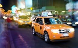 夜出租汽车 免版税库存照片