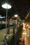 夜和城市:地铁在芝加哥 库存照片