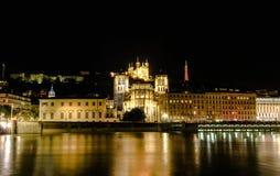 夜在利昂老镇,利昂,法国射击了 库存图片
