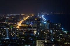 夜场面在芭达亚市 免版税库存照片