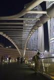 夜场面, Skywalk桥梁特拉唯夫 以色列 库存照片
