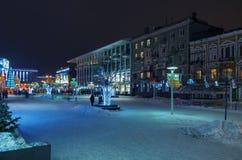 夜城市在冬天 库存照片