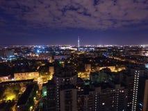 夜城市在Rusha 免版税库存图片