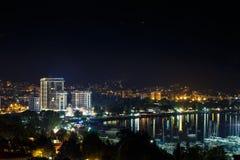 夜城市布德瓦,黑山 免版税库存照片