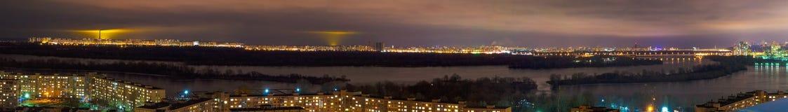 夜城市 基辅 库存照片