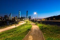 美丽的都市公园在圣地亚哥de智利 免版税库存照片