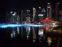 夜射击了小游艇船坞海湾沙子的港口视图在新加坡 免版税图库摄影