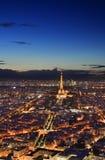 夜巴黎从上面 免版税库存图片