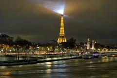 夜巴黎美丽的景色  图库摄影