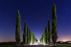 夜托斯卡纳风景 免版税库存图片