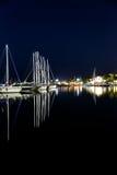 夜海游艇船坞 免版税库存照片