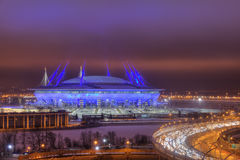 夜照明, 2018年世界杯体育场在圣彼德堡, Ru 库存照片
