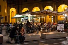 夜生活在波隆纳,意大利 库存照片