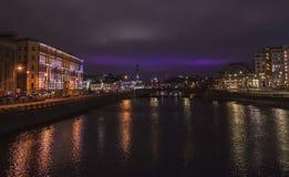 夜莫斯科,反映在河 库存照片