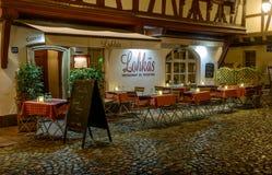 夜街道咖啡馆在史特拉斯堡 库存图片