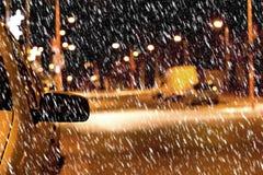 夜街道在冬天 库存照片