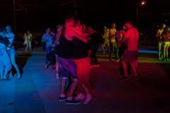 夜街道舞蹈 免版税库存照片