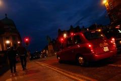 夜被射击爱丁堡街道 免版税图库摄影