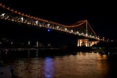夜被射击故事桥梁 库存图片