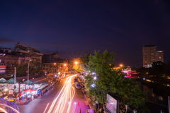 夜被射击Warorot市场(Kad Luang) 库存图片