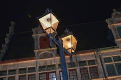 夜视图在市中心在跟特, 2017年11月5日的比利时 免版税库存图片