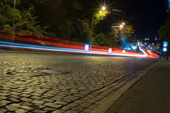 夜路路和汽车 库存照片