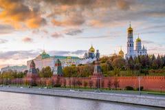 夜间克里姆林宫莫斯科 免版税库存图片