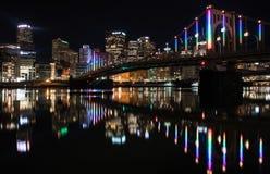 夜间在匹兹堡宾夕法尼亚 免版税库存图片