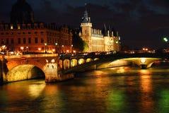 夜间巴黎 图库摄影