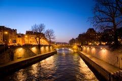 夜间巴黎 库存照片
