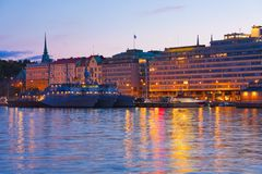 夜间芬兰赫尔辛基风景 图库摄影