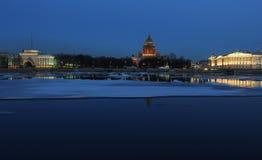 夜间St. -彼得斯堡,俄国 图库摄影
