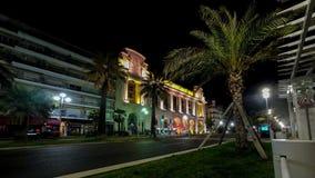 夜阐明了街道尼斯城市交通路街道图4k timelapse法国 影视素材