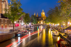 夜阿姆斯特丹红灯区De Wallen 库存图片
