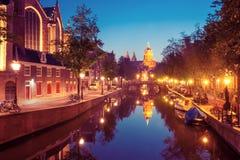 夜阿姆斯特丹红灯区De Wallen 库存照片