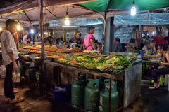 夜食物市场在芭达亚 免版税库存照片