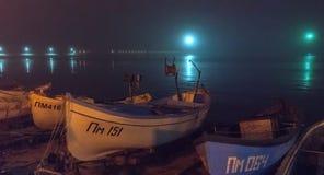 夜,雾,波摩莱在保加利亚 免版税库存图片