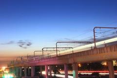 夜,轻的路轨 免版税库存图片
