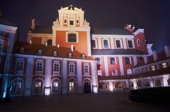 夜间前女修道院的巴洛克式的大厦 库存图片