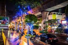 夜间在Silom区, Bankok 图库摄影